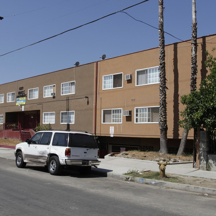 LEOLA - 29 Units - North Hollywood
